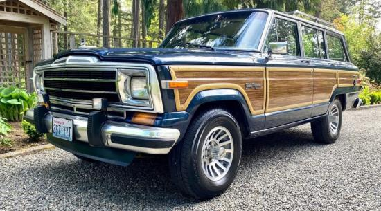 老派去买这辆1990年的吉普大货车而不是一辆新的