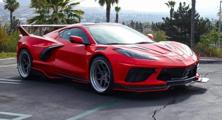 这个价值 15,000 美元的宽体套件绝对改变了 C8 Corvette
