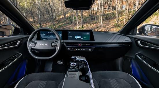 2023年起亚Niro展示带有双显示器的EV6风格内饰