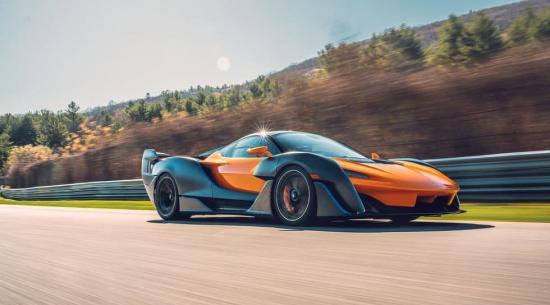 2021 年迈凯轮军刀锐化超级跑车