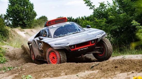 671 马力奥迪 RS Q e-tron 是电动达喀尔拉力赛车手