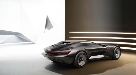 奥迪 Skysphere 概念车可以从 Grand Tourer 转变为 Roadster