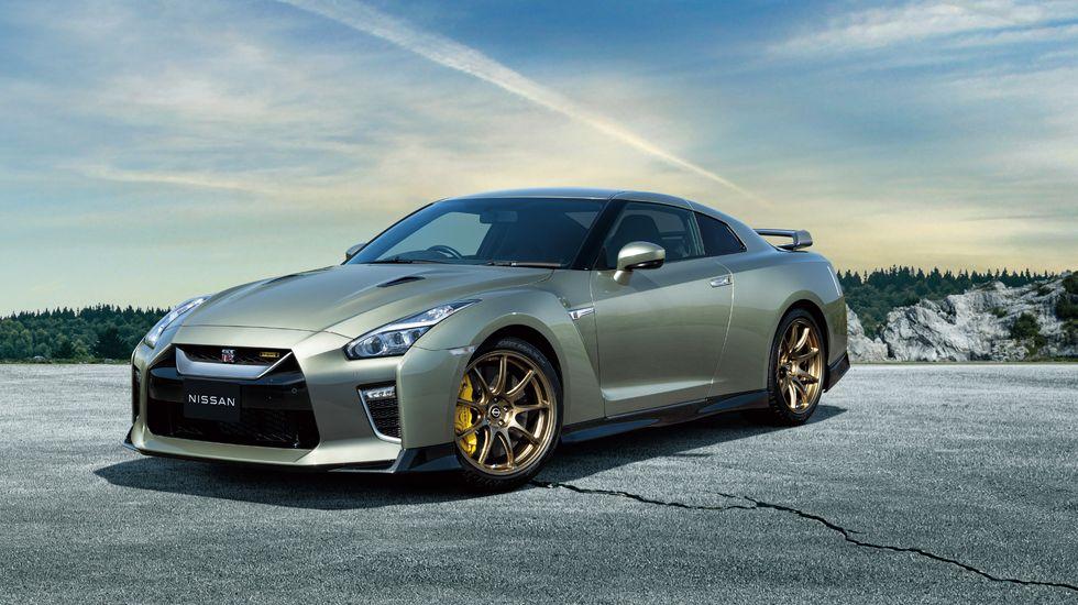 日产 GT-R T-Spec 添加了千年翡翠和午夜紫