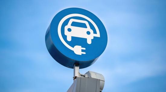 如何满足电动汽车充电需求,维护电网稳定