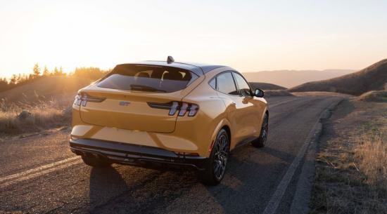 2022 年福特野马 Mach-E 获得电池容量